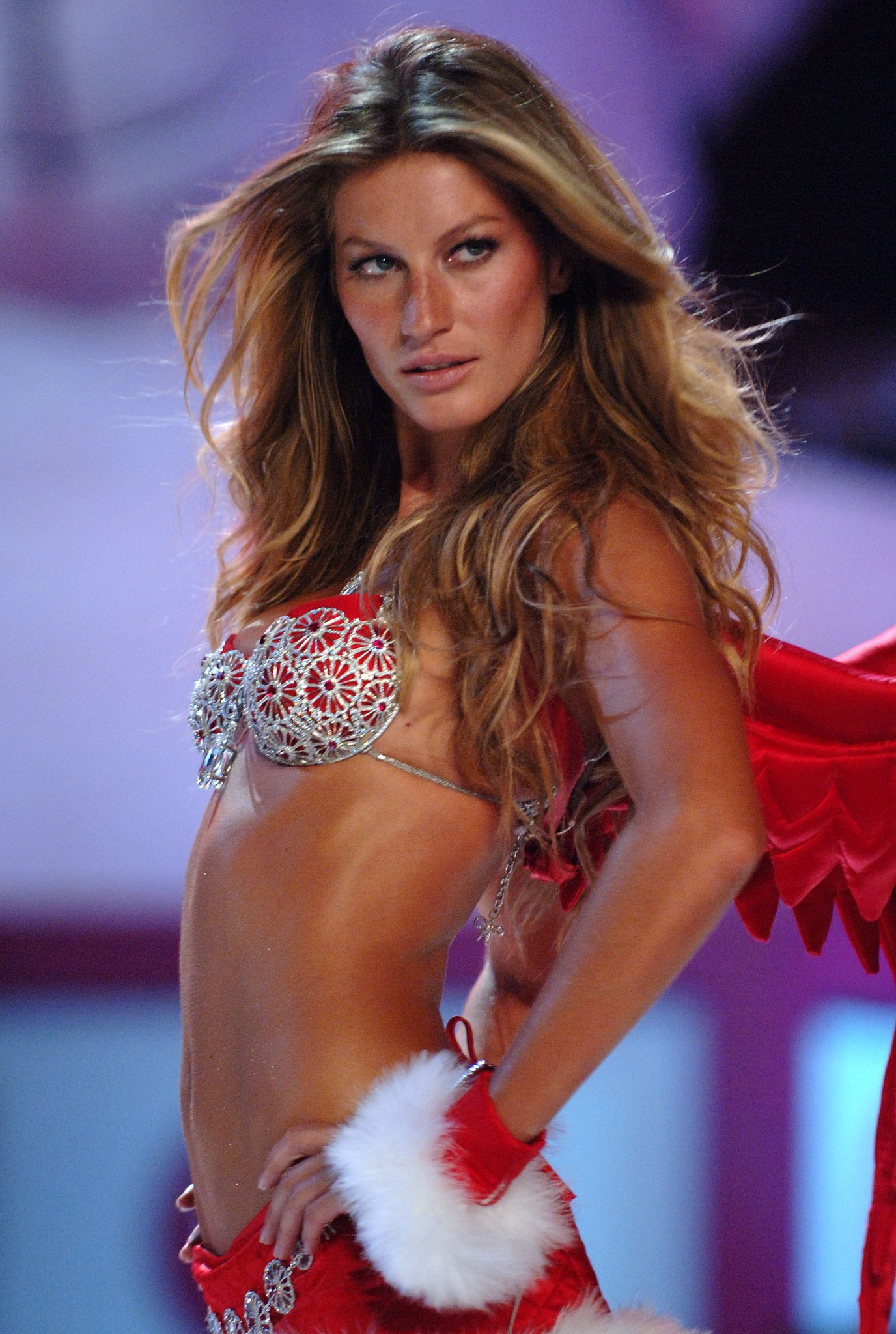 Gisele Bündchen walks the runway in New York