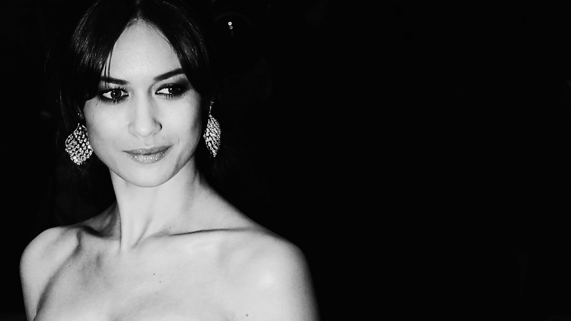Bond girl Olga Kurylenko on how she'd love to be Bond