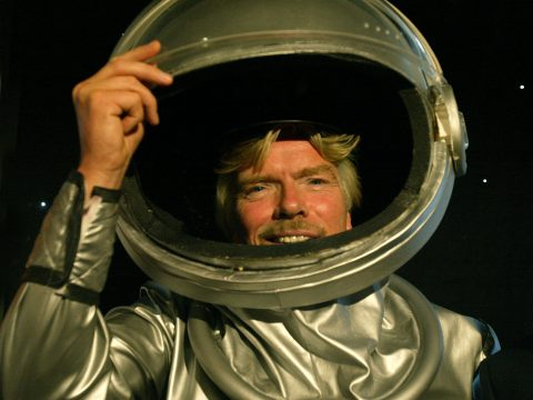 Sir Richard Branson announces the acquisition of private astronauts in 2005