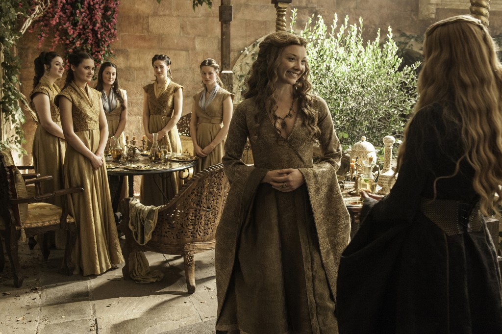 Margaery_wearing_Cersei_style_clothes_in_Season_5