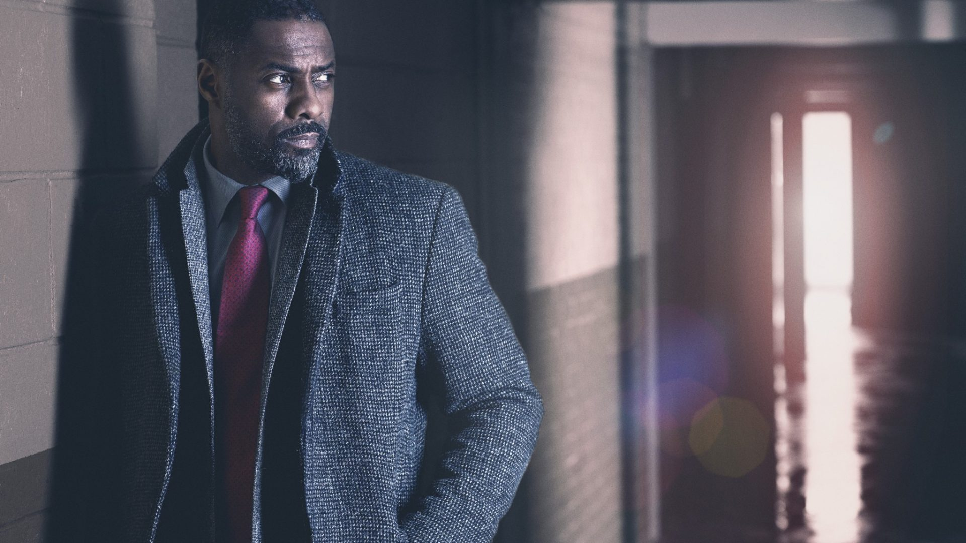 Idris Elba in Luther series 4