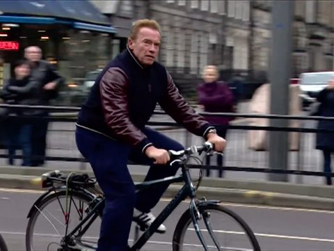 Arnold Schwarzenegger cycling in Edinburgh