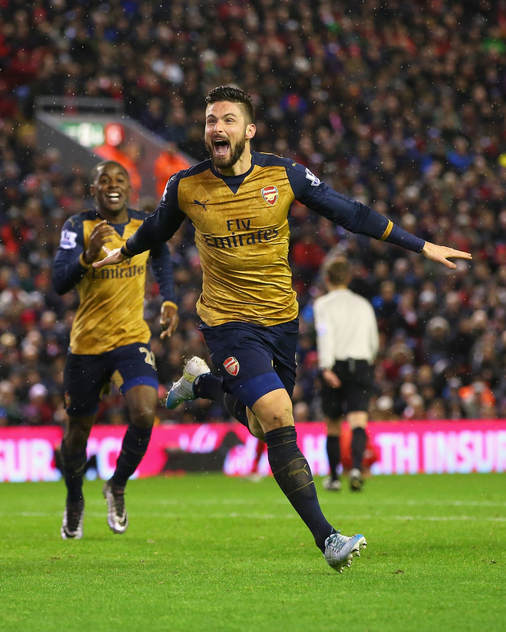 Olivier Giroud in action for Arsenal in the Premier League