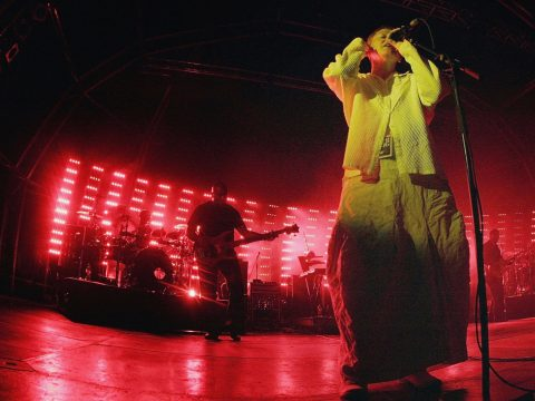 Elizabeth Fraser of Cocteau Twins, playing with Massive Attack
