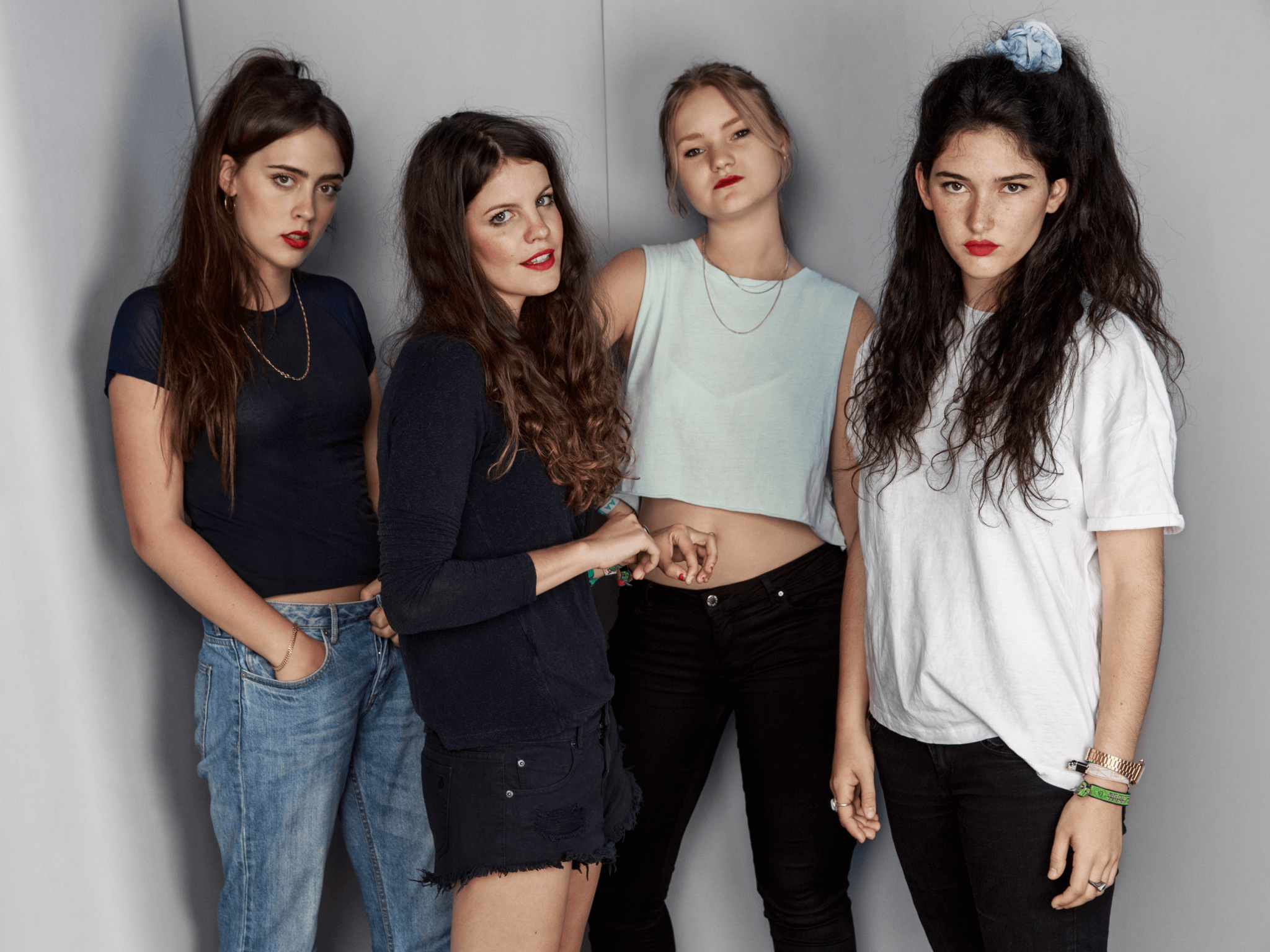 Hinds head out on their world tour this month – Loaded