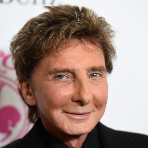 Barry Manilow rushed to hospital