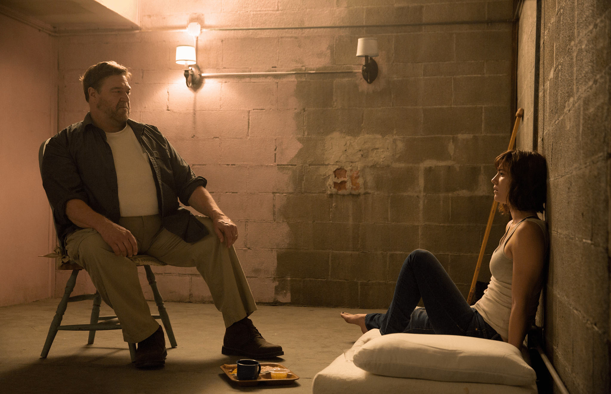 10 Cloverfield Lane John Goodman Mary Elizabeth Winstead