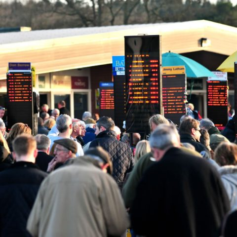crowds-bookmakers1