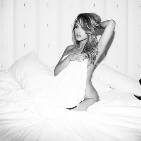 Brittney Palmer UFC - Bed picture