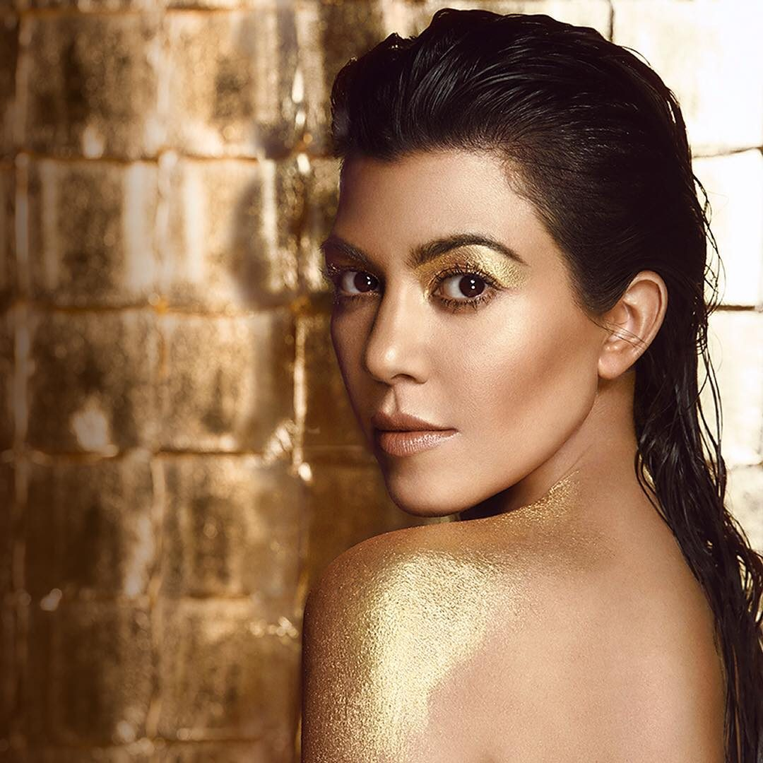 Kourtney Kardashian gold paint