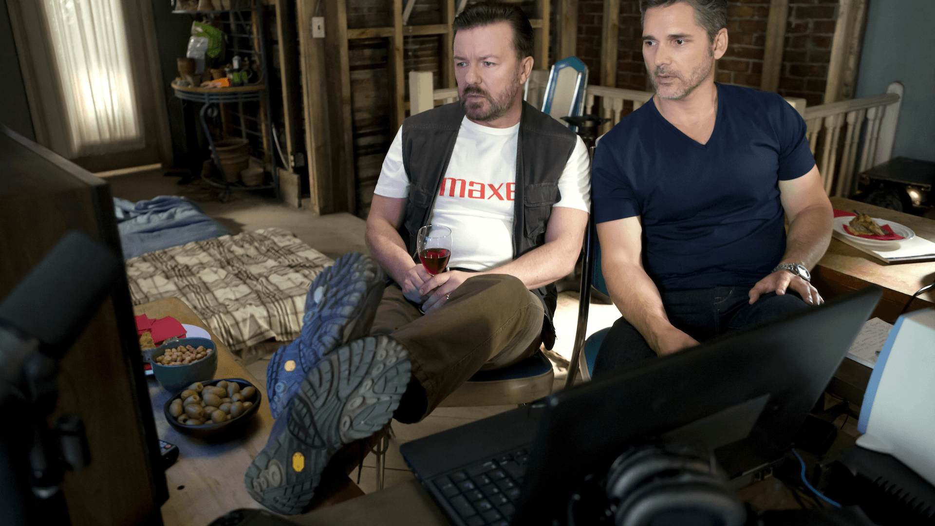 Ricky Gervais and Eric Bana in Special Correspondents