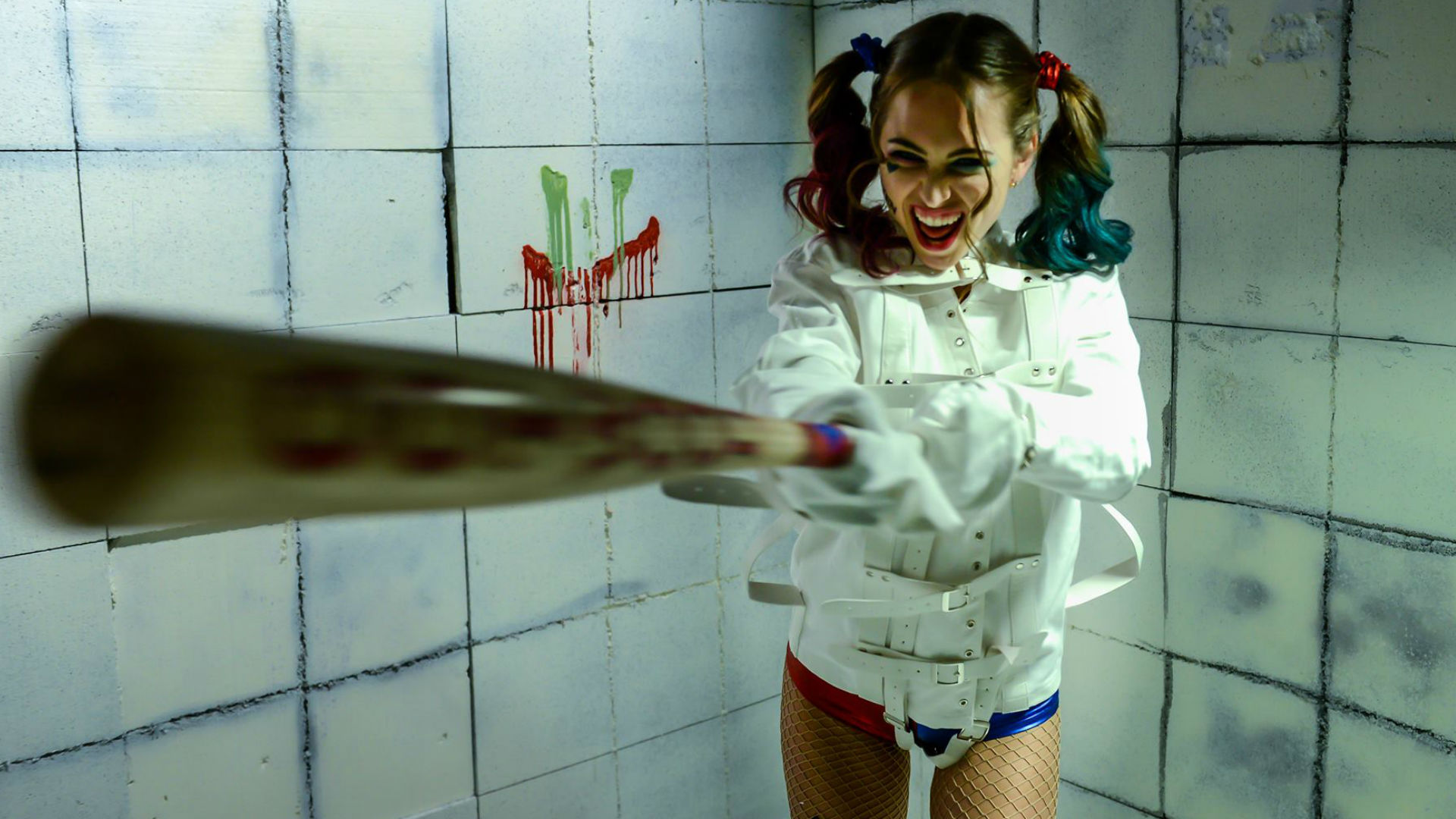 Riley Reid in Suicide Squad porn parody Harly in the Nuthouse