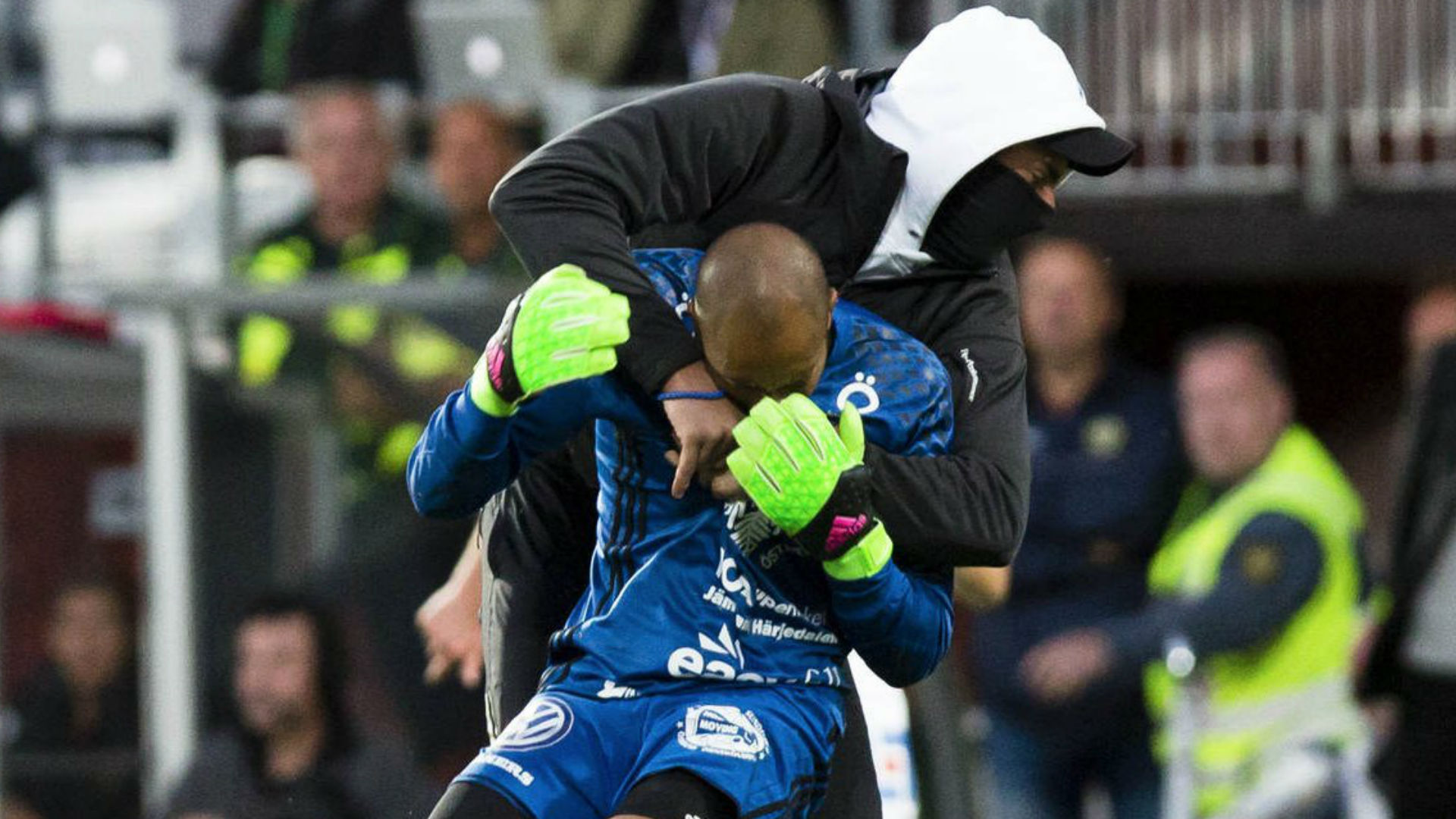 Match abandoned after Swedish goalkeeper attacked