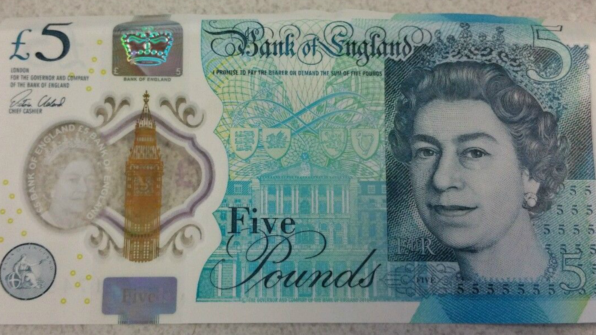 The new £5 note