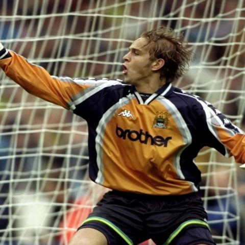 Nicky Weaver playing for Manchester City.