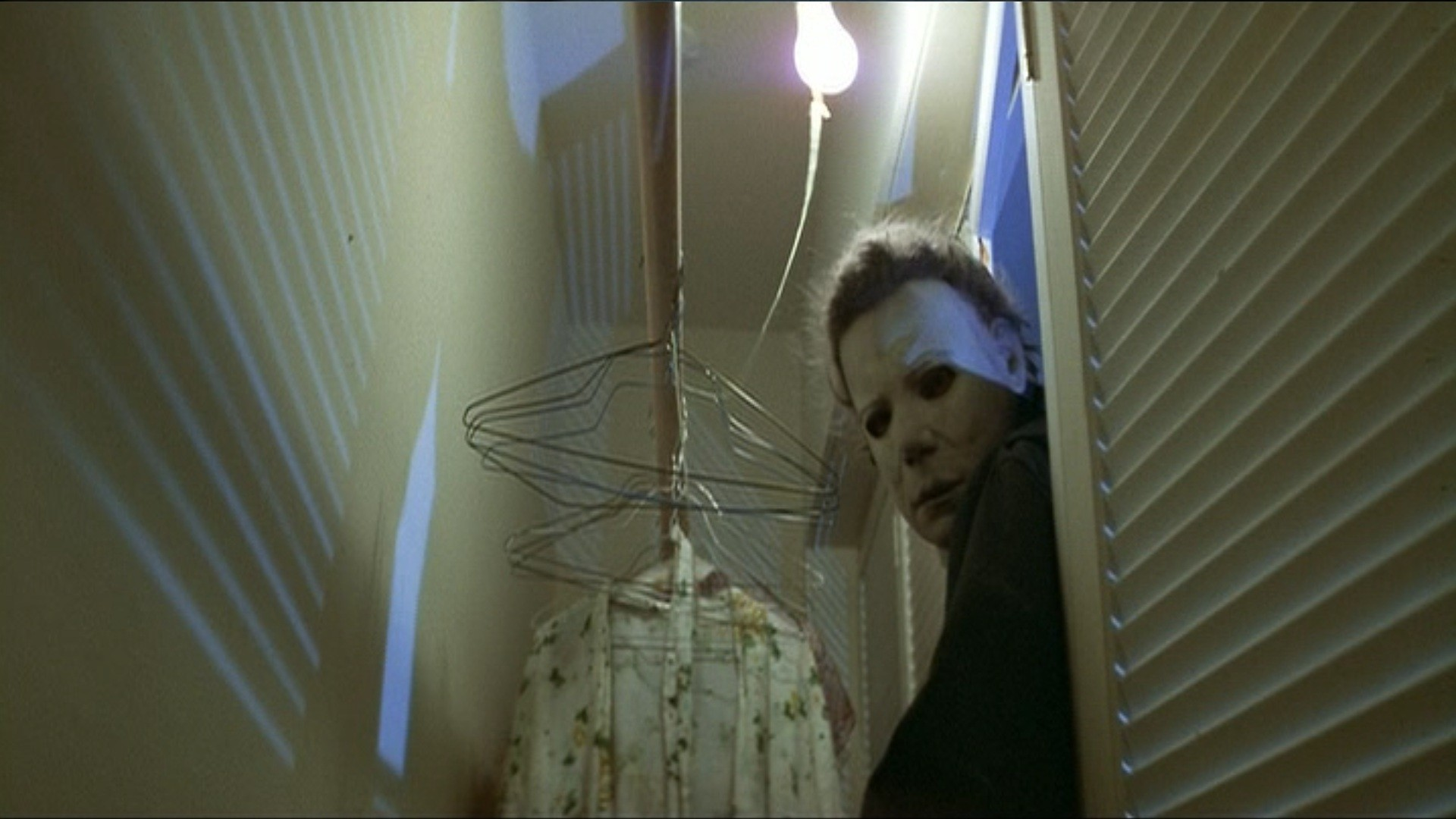 from freddy to hannibal lecter the 10 most iconic horror masks in film. Black Bedroom Furniture Sets. Home Design Ideas
