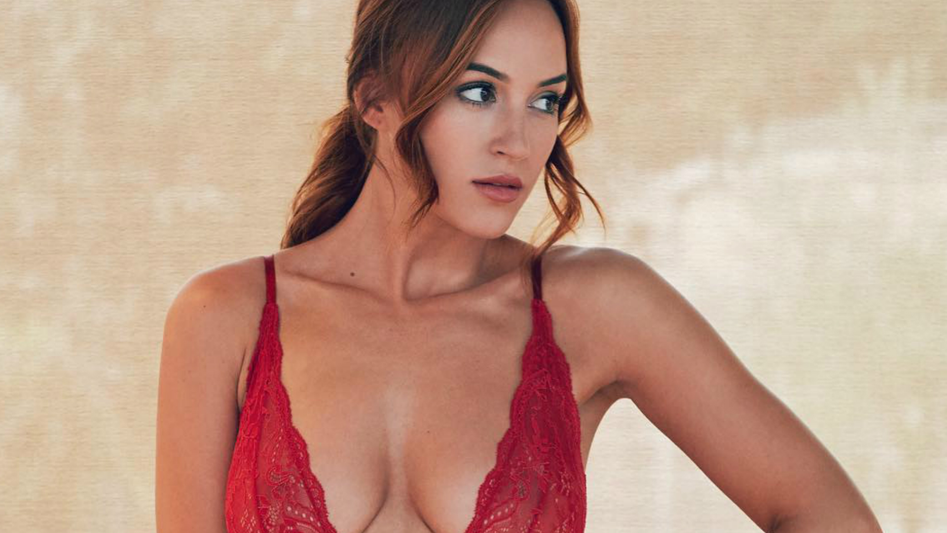 Rosie Jones Nude Photos 8