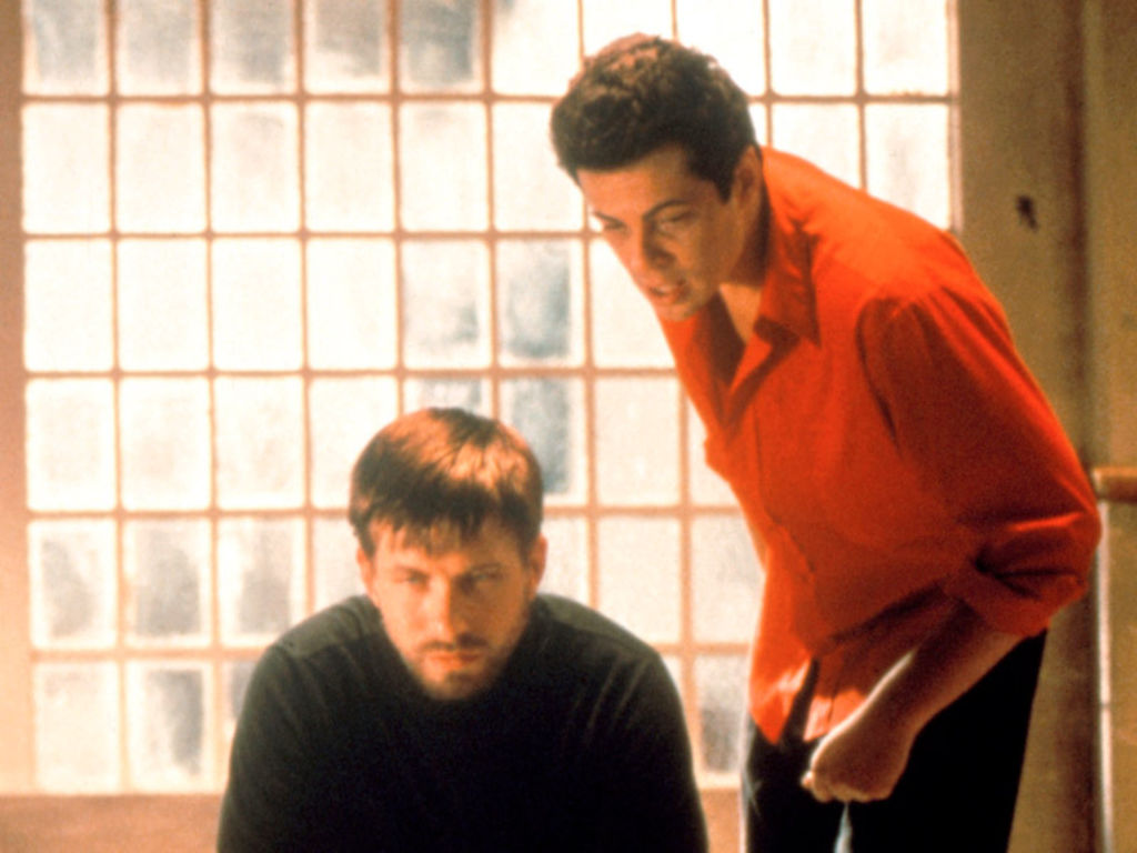 Stephen Baldwin and Benicio Del Toro as McManus and Fenster.