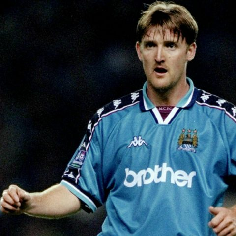 Jamie Pollock playing for Manchester City