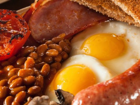 A picture of a fry-up.