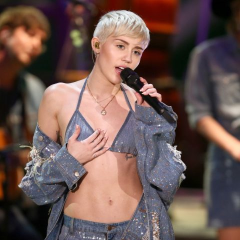 Miley Cyrus In A Pair Of Deflated Tits During A Sidney Gig