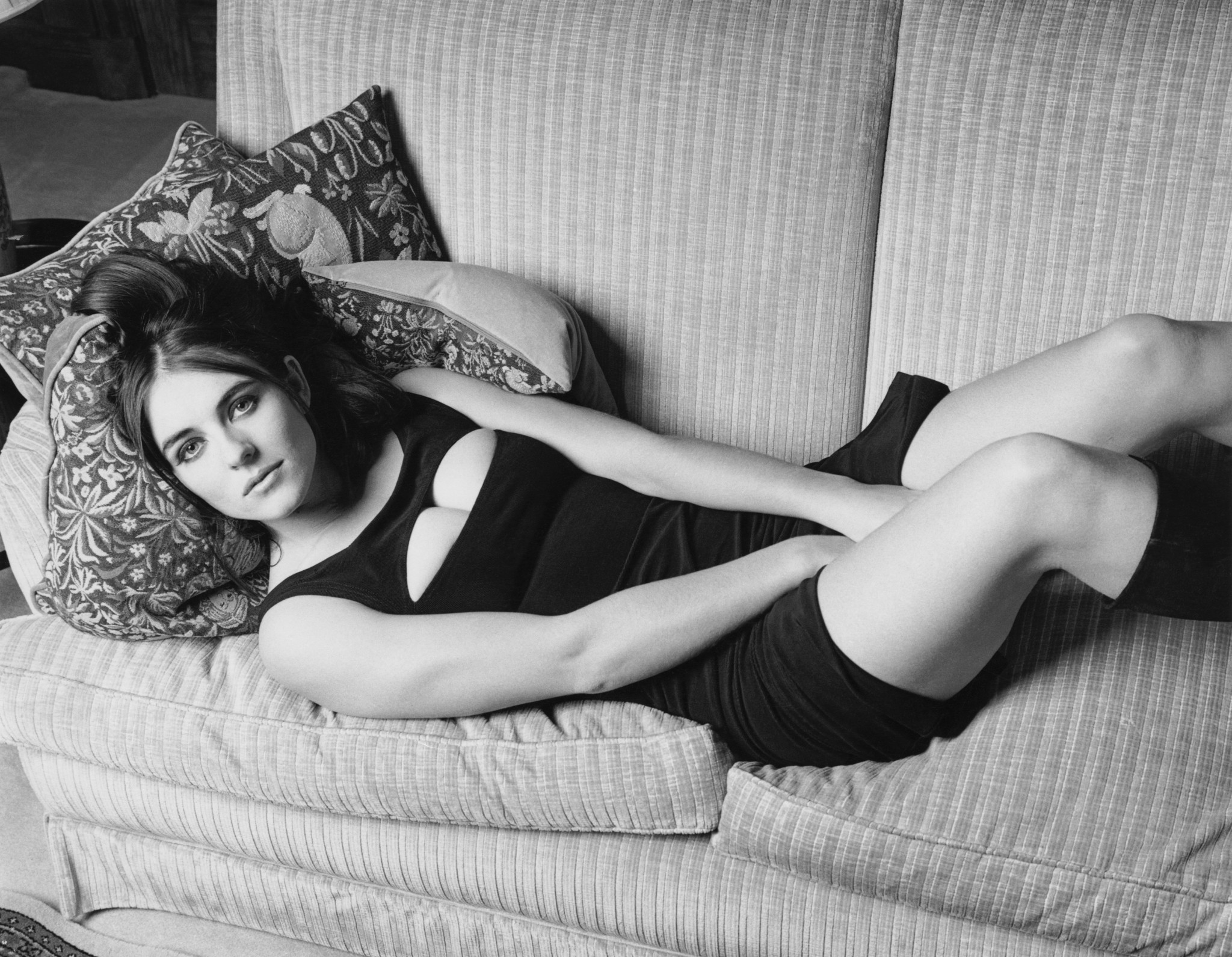 Elizabeth Hurley posed for Loaded's first issue