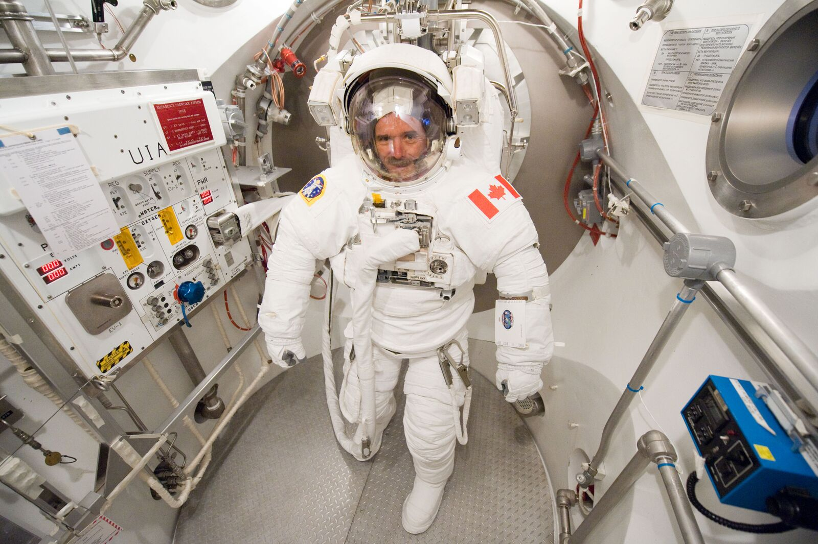 Chris Hadfield Canadian astronaut Space Oddity Loaded