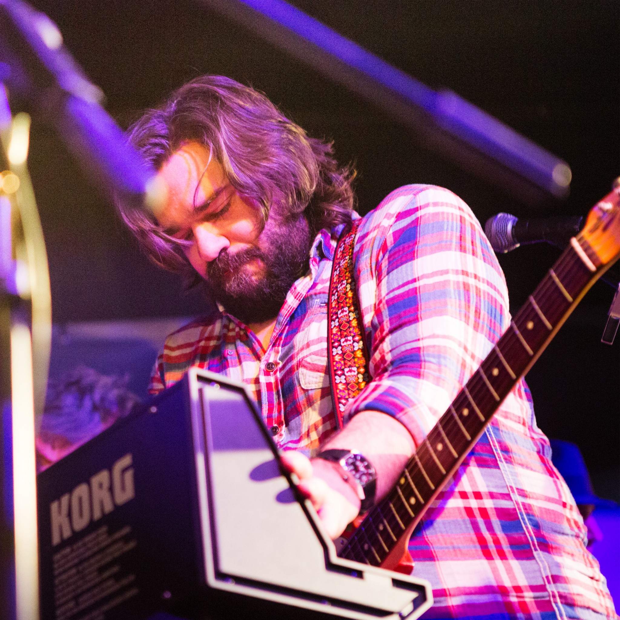 Matt Berry playing live with his band The Maypoles