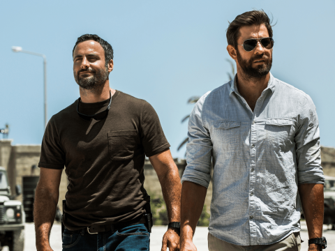 Dominic Fumusa and John Krasinski in 13 Hours: The Secret Soldiers Of Benghazi