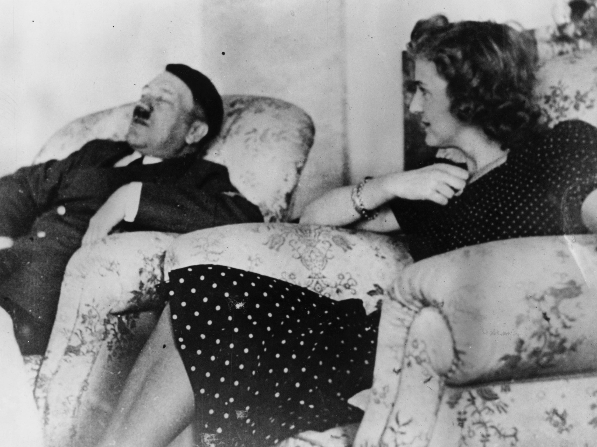 Nazi architect Albert Speer says Adolf Hitler and Eva Braun didn't have a sexually normal relationship – Loaded