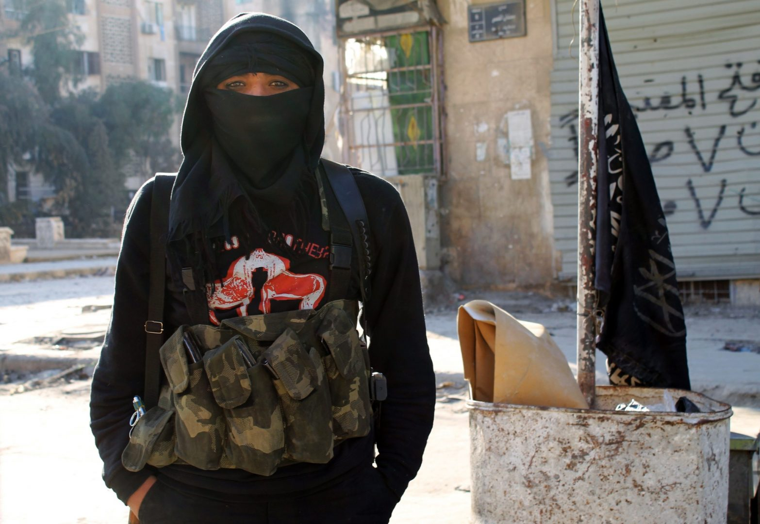ISIS have changed their policies on women taking up combat roles, reports suggest – Loaded