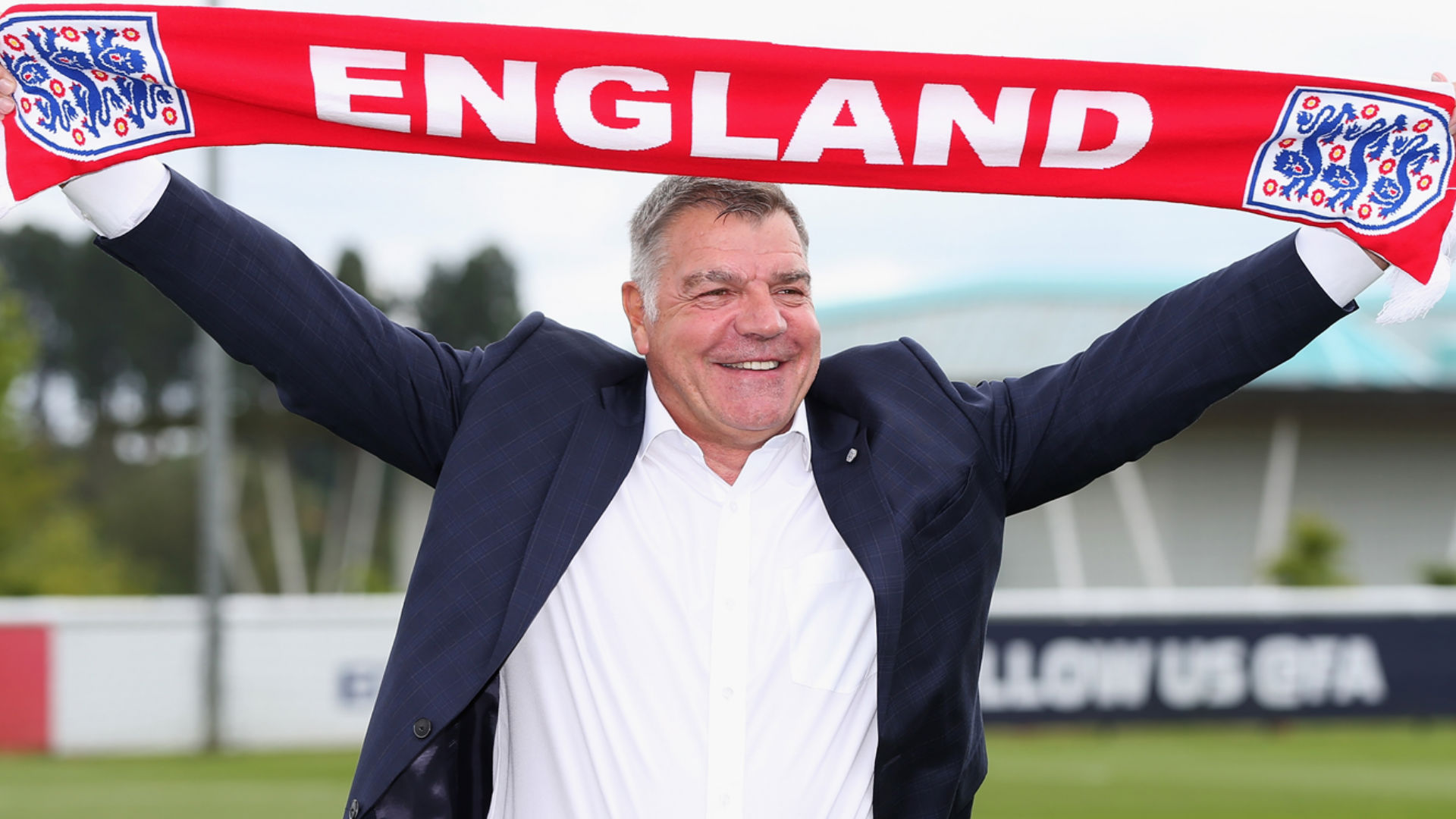 Big Sam Allardyce with England scarf