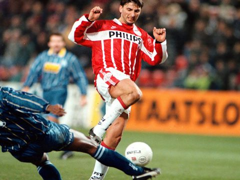 Luc Nilis playing for PSV Eindhoven.