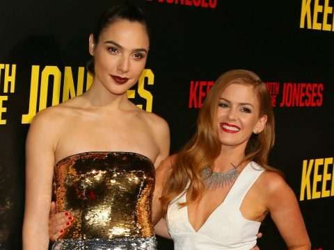 Gal Gadot and Isla Fisher on the red carpet.