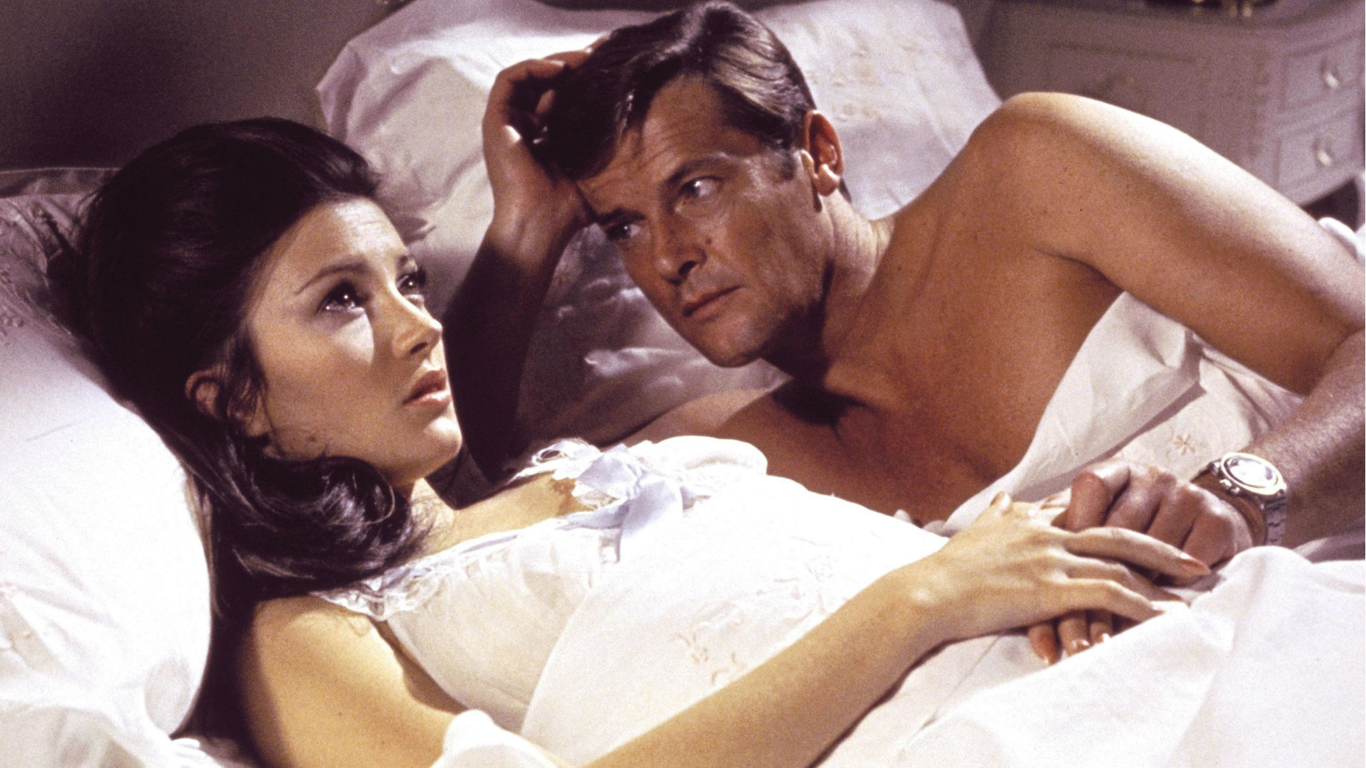 Roger Moore and Jane Seymour in Live and Let Die