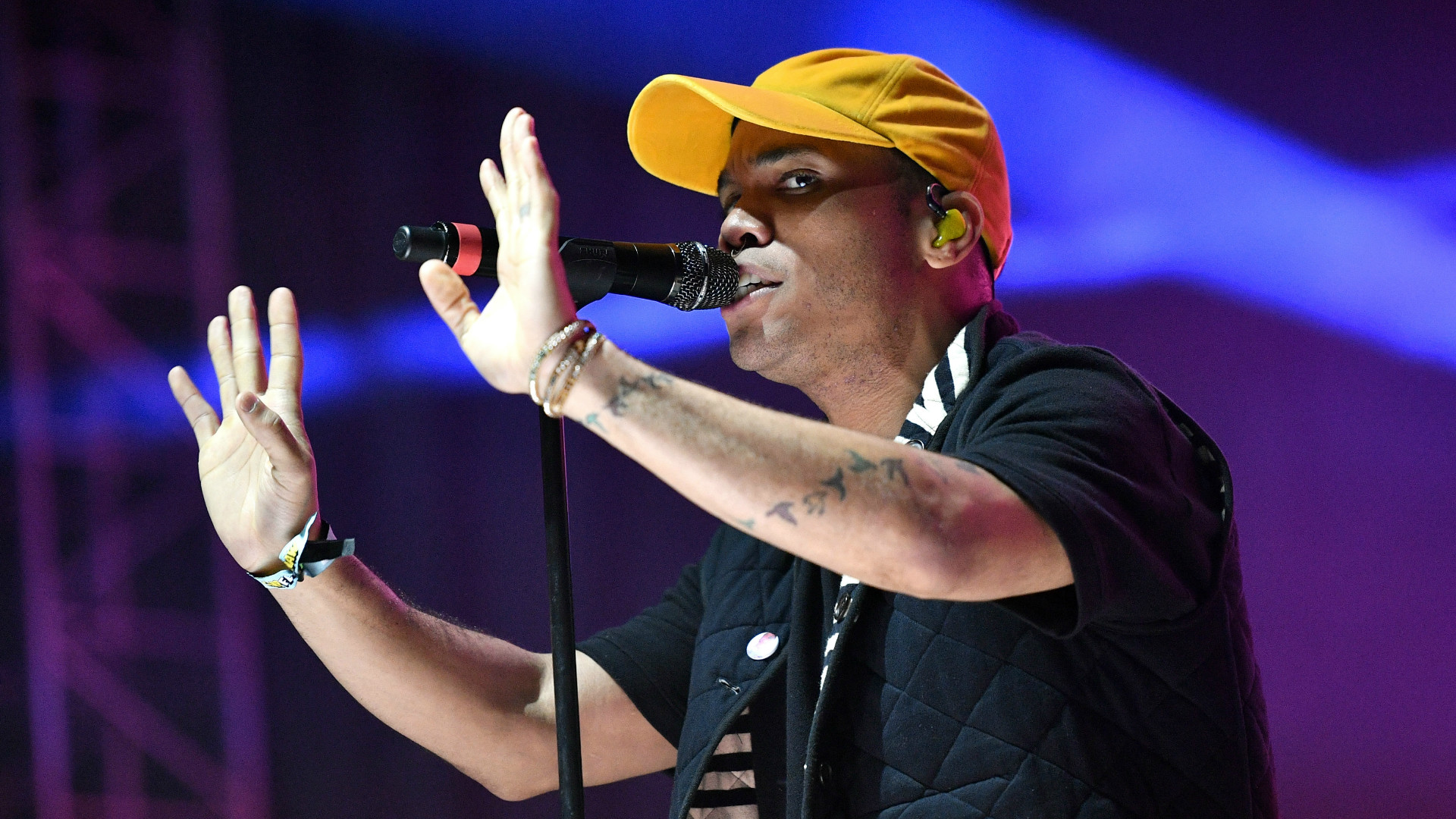 Musician Anderson .Paak performing live.