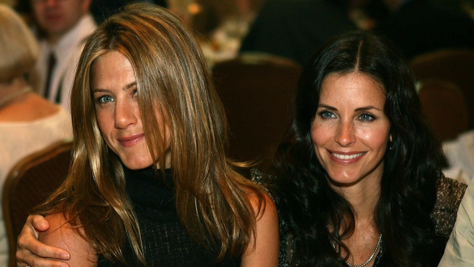 Friends co-stars Jennifer Aniston and Courteney Cox.