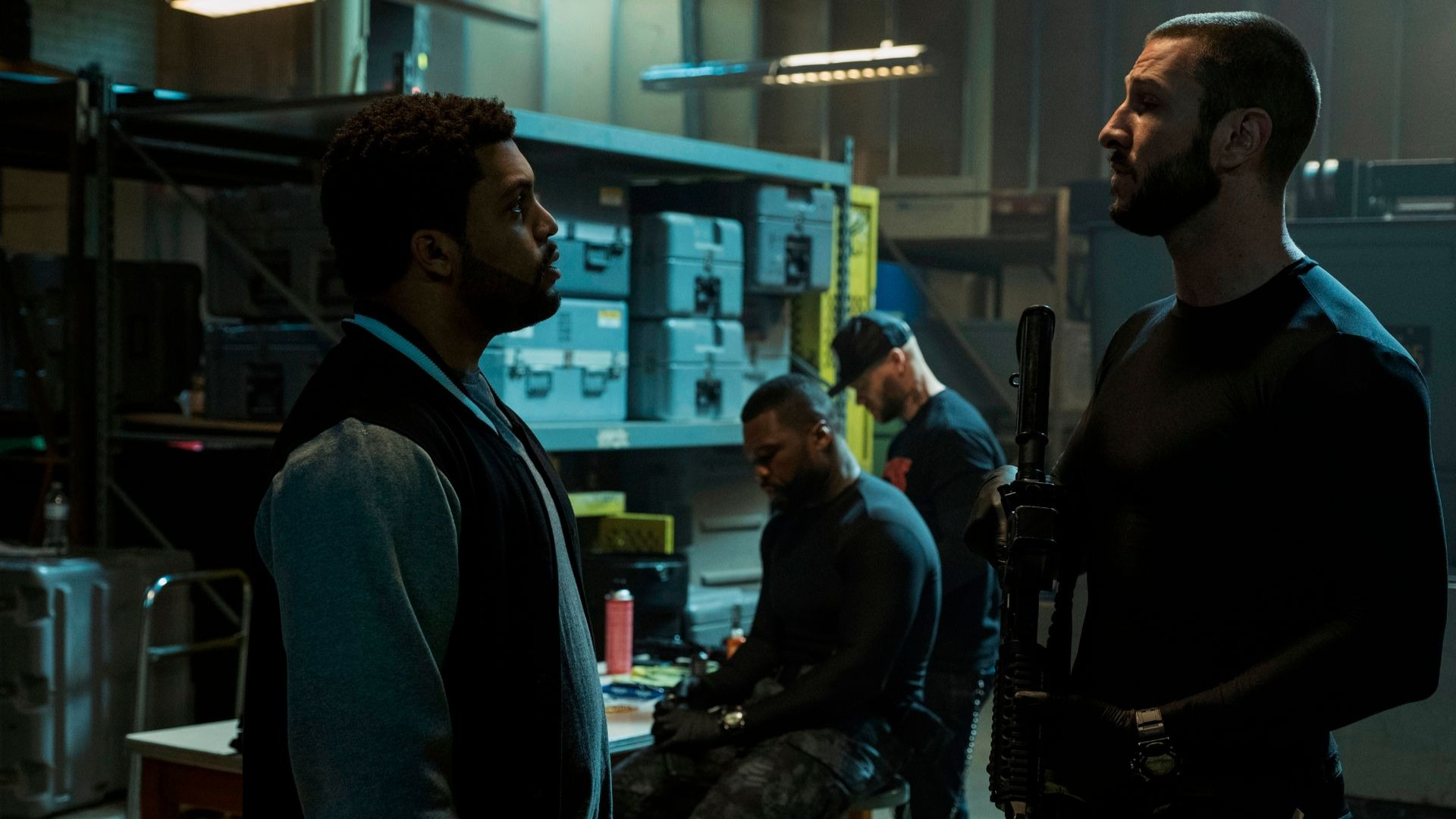 O'Shea Jackson Jr. and Pablo Schreiber in Den Of Thieves.