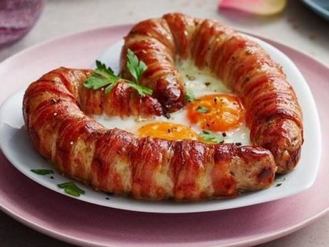 This heart-shaped 'Love Sausage' might just be the perfect gift for Valentine's Day.